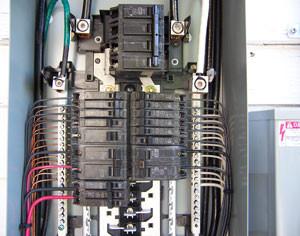 Panel-Upgrades-Montreal/Mises-à-niveau-de-panneaux-électriques-Montréal-001