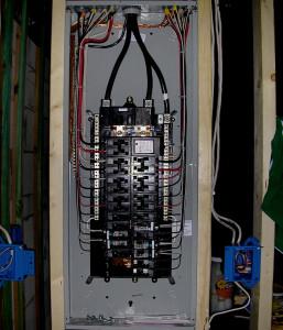Panel-Upgrades-Montreal/Mises-à-niveau-de-panneaux-électriques-Montréal-002
